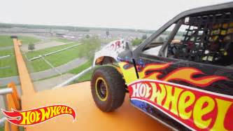 Wheels Truck Jump Driver Team Wheels The Yellow Driver S World Record Jump