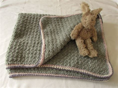 simple pattern to crochet a baby blanket video tutorial this beautiful baby blanket it s