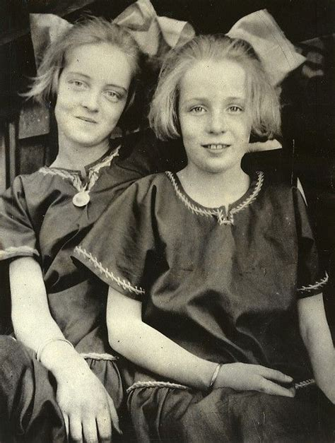 bette davis children bette davis and sister bobby davis before they were