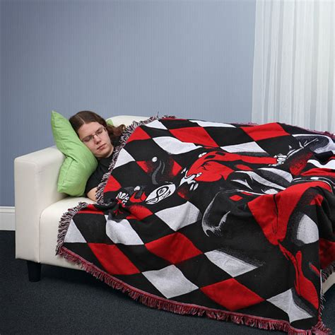 harley quinn woven blanket thinkgeek