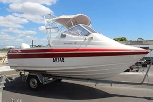 savage mako boats for sale 5 5m mako quot savage quot half cabin boat auction 0001 9008119