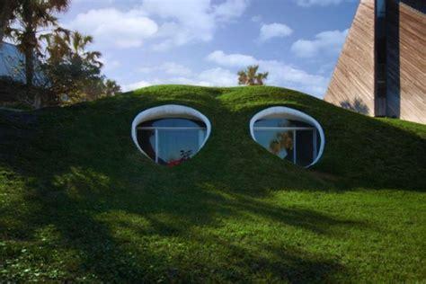 maisons cach 233 es dans la nature