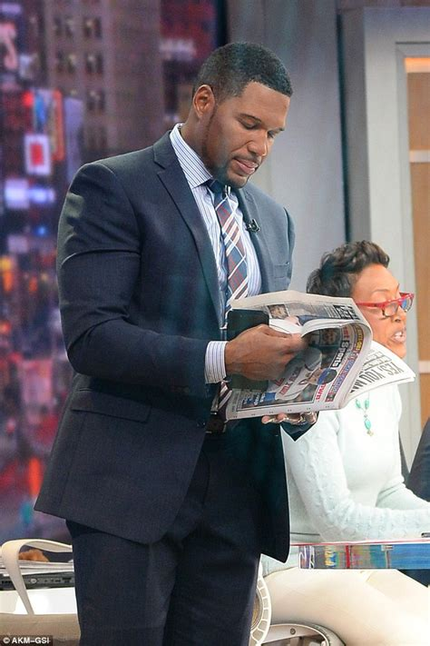 michael strahan news page 3 people robin roberts and michael strahan spark feud rumors