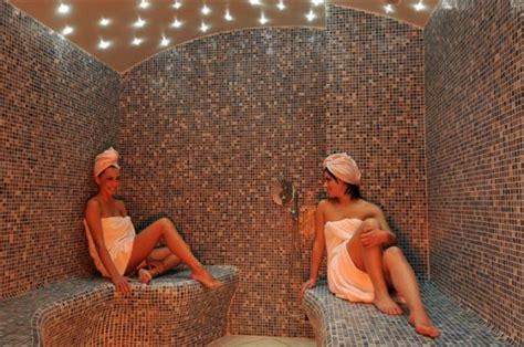 bagno turco nudi piscine frangipane