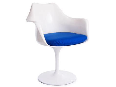 Tulip Armchair by Tulip Armchair Saarinen