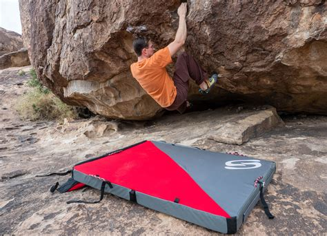 better bouldering corrugated crash pad review new tech for better landing