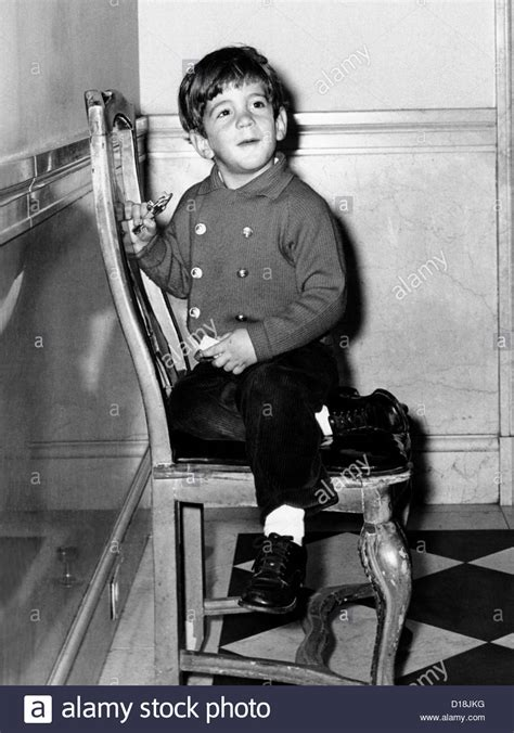 jfk jr young young john f kennedy jr nearing his 4th birthday nov 3