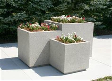 costruire vasi in cemento fioriere
