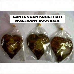 Gantungan Baju Kawat Warna souvenir murah souvenir di bawah harga rp 1 000