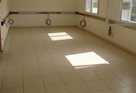 piastrelle per riscaldamento a pavimento il riscaldamento a pavimento termoclimatizzato a basso