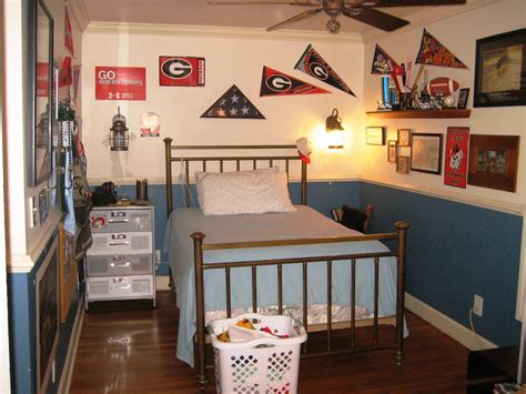 boys bedroom decorating ideas simple teenage boys bedroom designs