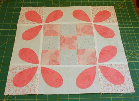 the honey bee quilt of your dreams quilting cubby