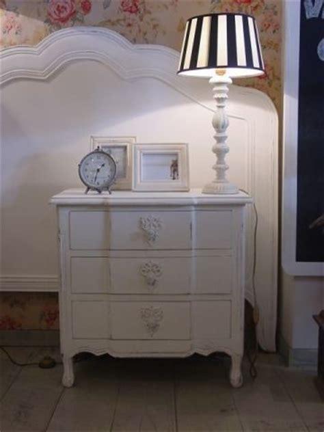 mesita de noche infantil blanca casas con encanto muebles blanco envejecido vilmupa