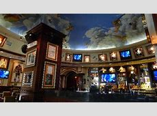 Hard Rock Rome - Nice decor(2) - Picture of Hard Rock Cafe ... Nachos Party