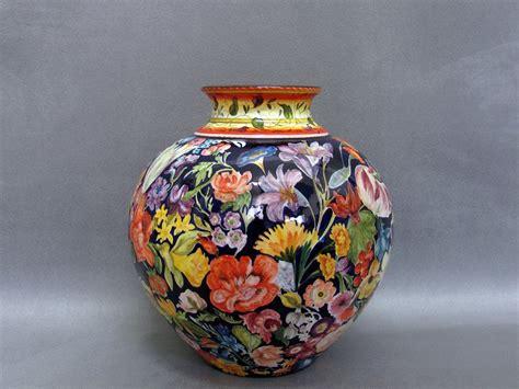 dipinti di vasi con fiori vaso in ceramica di faenza dipinta a mano con fiori