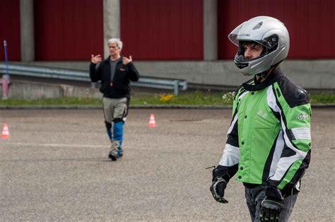 Motorrad Schnupperkurs Kawasaki by Wieder Auf Schnupperkurs Moto Lifestyle Ch