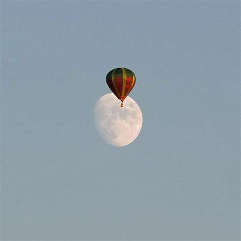 The Moon S A Balloon 50 air balloon pictures that can set the mood