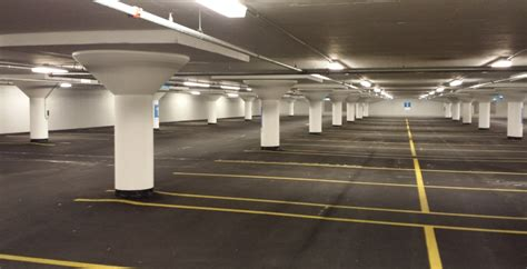 Massive Chicago parking garage gets overdue waterproofing