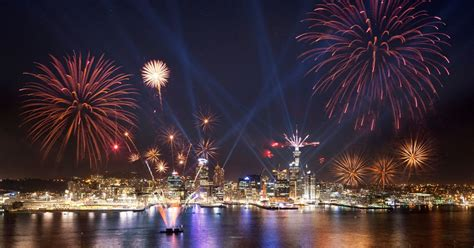 new year in auckland 2016 new zealand celebrates 2017 with spectacular new year s