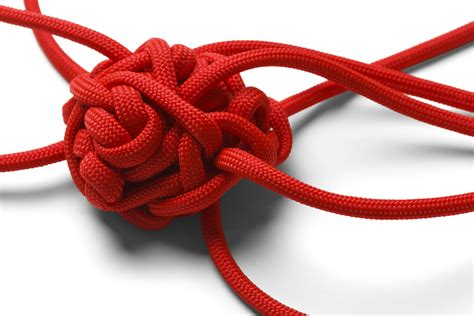 String Knotting - what do tangled ropes and breaking habits in common