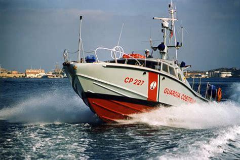 capitaneria di porto rimini peschereccio salvato da guardia costiera rimini