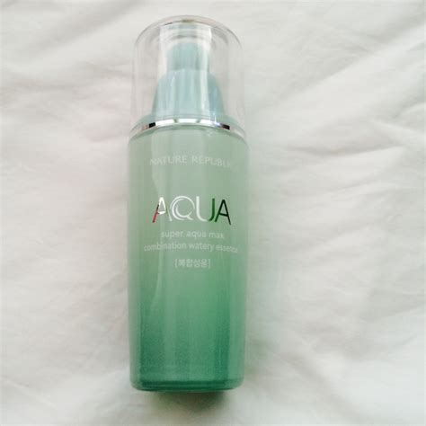 Nature Republic Aqua Max Watery Essence In Bottle 10ml review nature republic aqua max combination watery essence and made up story