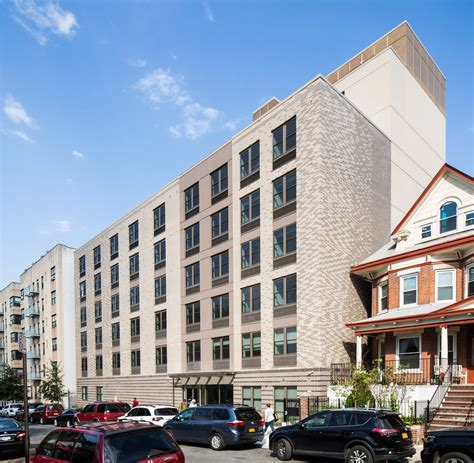 Praxis Housing by Praxis Housing Initiatives Nyc Loring Place