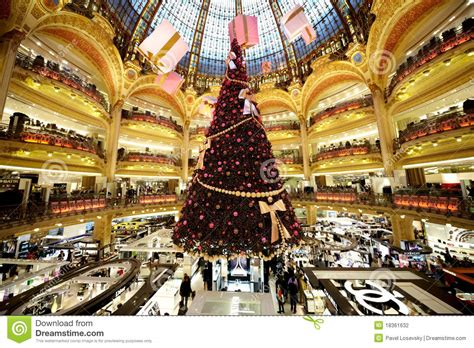 christmas tree in lafayette the tree at galeries lafayette editorial photography image 18361632