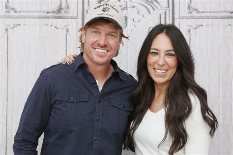 fixer upper facebook chip gaines lawsuit former partner speaks out