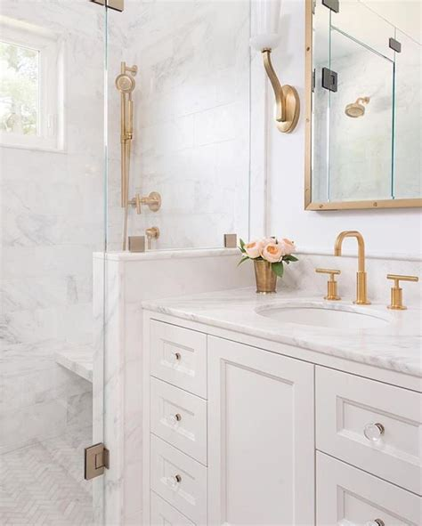 White Marble Bathrooms by Top 25 Best Marble Bathrooms Ideas On Carrara