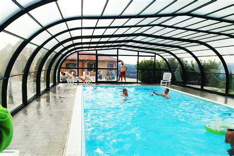 agriturismo con piscina interna agriturismo marche con piscina coperta chiciabocca