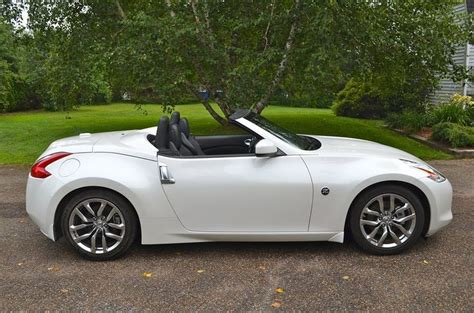 nissan 380z convertible 1000 ideas about nissan 350z roadster on