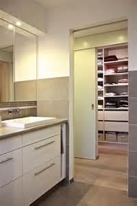 salle de bain donnant sur le dressing interior republic