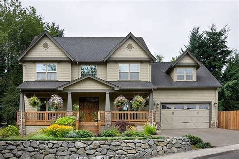 Craftsman Style House Plan   4 Beds 2.5 Baths 2500 Sq/Ft