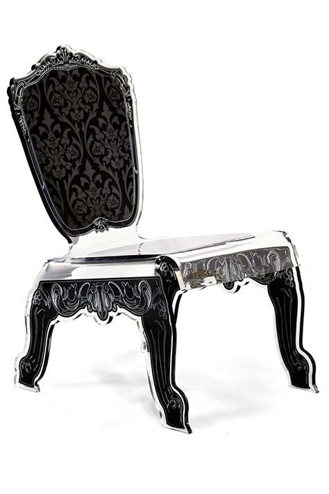 chaise baroque transparente chaise design baroque en plexiglas forme relax motif noir
