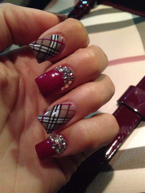 tutorial nail art burberry burberry nail art with rhinestones design idea