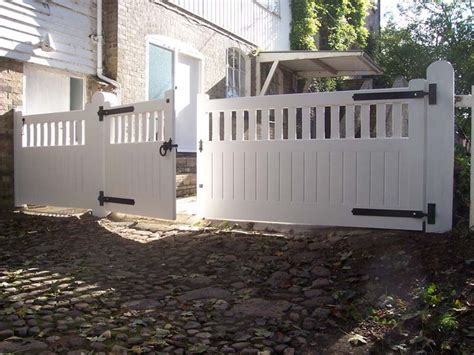 building a driveway gate for a wood fence woodworking projects plans