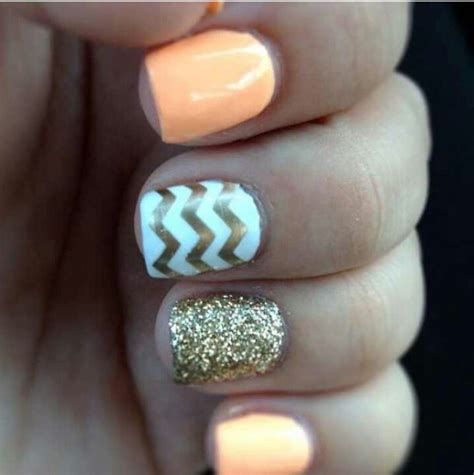 chevron pattern nails chevron nails such cute colors chevron nails