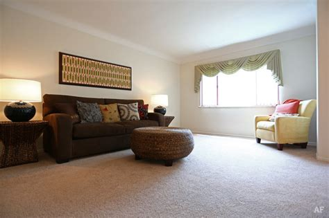 one bedroom apartments st louis mo fontainebleau apartments saint louis mo apartment finder