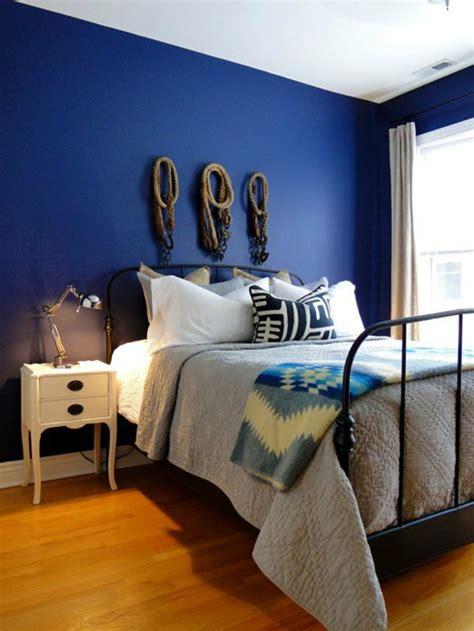 schlafzimmer blau schlafzimmer bett wandfarbe blau blaue tapeten