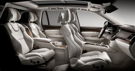 volvo rolls  xc excellence flagship   shanghai auto show