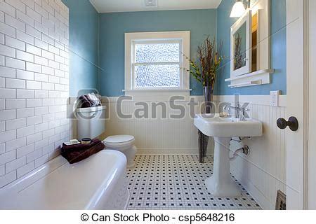 antikes badezimmer stock bild antikes blaues badezimmer design luxus