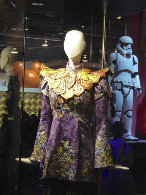 film mandarin the queen hollywood movie costumes and props alice s mandarin and