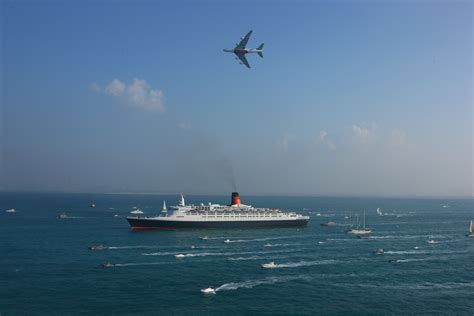 emirates queen commercial qe2 s arrival another reason to party world property
