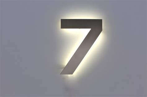hausnummer mit beleuchtung hausnummer beleuchtet led glas pendelleuchte modern