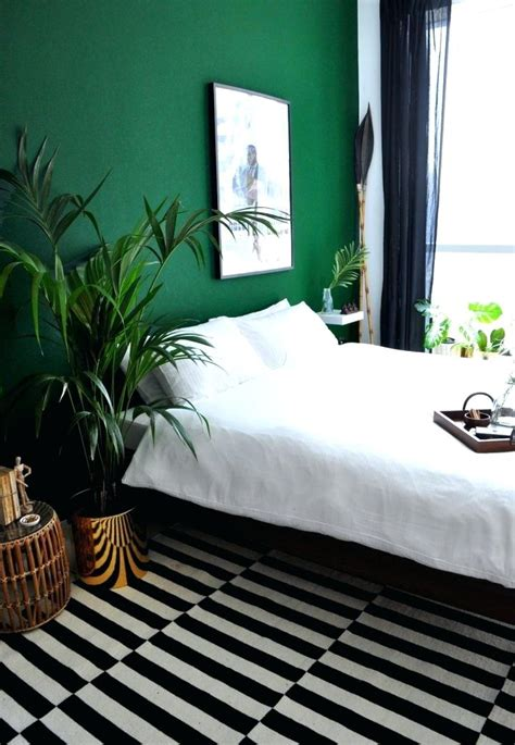 Green Bedroom Decorating Ideas by Bedroom Wall Ideas Bedroom Wall Closet Designs Bedroom