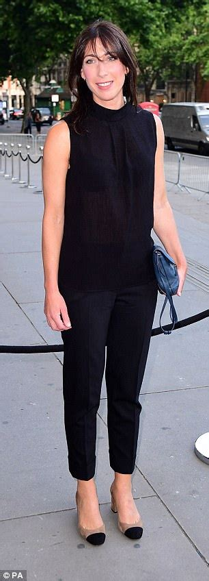Sweater Monokrom Jumbo liz hurley attends summer at the v a museum daily