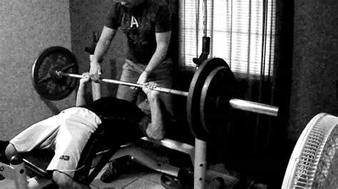 teen bench press teen bodybuilder bench press 205 225lbs for sets youtube