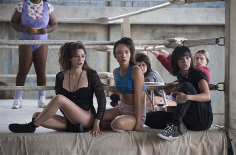 alison brie american express glow cast alison brie and kate nash star as netflix s