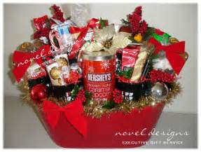 Holiday Basket 1000 Images About Basket Ideas On Pinterest Homemade Taco Seasoning Gifts For Him And Novels